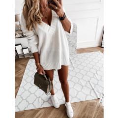 Γυναικείο πουλόβερ με βαθύ ντεκολτέ 00690 άσπρο