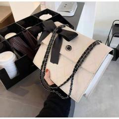 Γυναικεία τσάντα B327 άσπρη