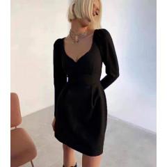 Γυναικείο φόρεμα με βαθύ ντεκολτέ 7126 μαύρο