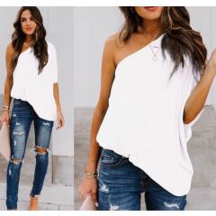 Χαλαρή μπλούζα με έναν ώμο 5084 άσπρη