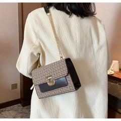 Γυναικεία τσάντα B282 καφέ