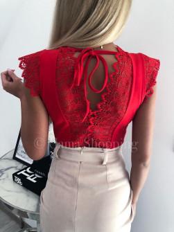 Γυναικεία μπλούζα με δαντέλα 3127 κόκκινη