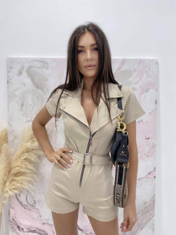 Γυναικεία ολόσωμη φόρμα με φερμουάρ 22576 μπεζ