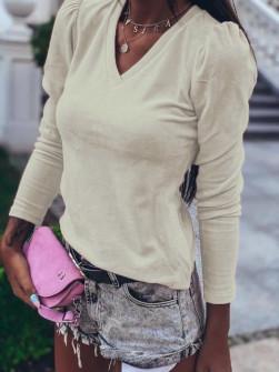Γυναικεία μπλούζα βελουτέ με βαθύ ντεκολτέ 33205 μπεζ