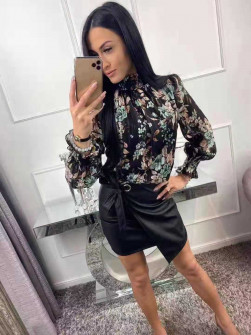 Γυναικεία μπλούζα με λουλούδια 3217 μαύρη/μέντα
