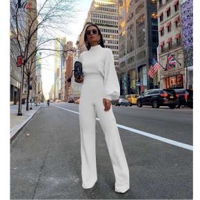 Γυναικεία ολόσωμη φόρμα με φαρδύ μανίκι 3572 άσπρη