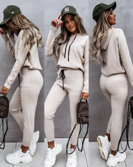 Γυναικείο σετ μπλούζα και παντελόνι 3657 μπεζ