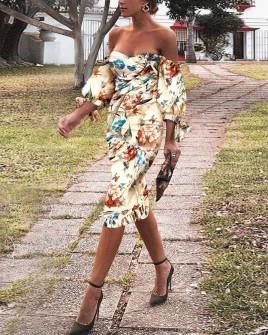 Γυναικείο φόρεμα με εντυπωσιακά μανίκια 2174901