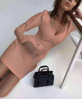 Γυναικείο φόρεμα με βαθύ ντεκολτέ 7126 ροζ