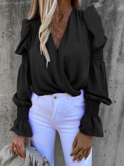 Γυναικεία μπλούζα με εντυπωσιακό μανίκι 8553 μαύρη