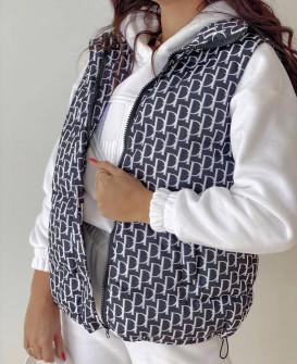 Γυναικείο αμάνικο μπουφάν με print 8205801 μαύρο