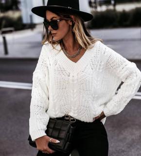 Γυναικείο πουλόβερ με ανοιχτή λαιμόκοψη 00896  άσπρο