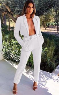 Γυναικείο σετ παντελόνι και κοντό σακάκι 3991 άσπρο