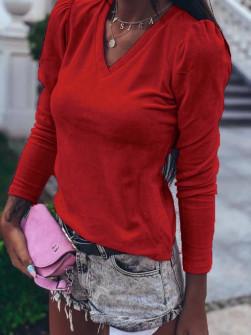 Γυναικεία μπλούζα βελουτέ με βαθύ ντεκολτέ 33205 κόκκινη
