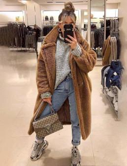 Γυναικείο χνουδωτό μακρύ παλτό 19218 καμηλό
