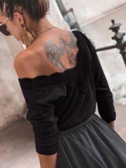 Γυναικεία μπλούζα με εντυπωσιακή πλάτη 5370 μαύρη