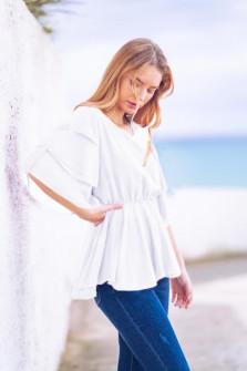 Γυναικεία μπλούζα με εντυπωσιακό μανίκι 5071 άσπρο