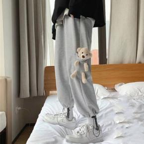Γυναικείο παντελόνι φόρμας με αξεσουάρ αρκουδάκι 21195 γκρι