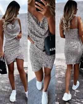 Γυναικείο φόρεμα με εντυπωσιακό ντεκολτέ 5558