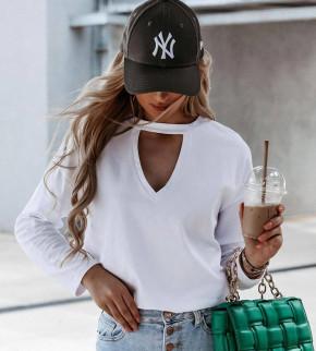 Γυναικεία μπλούζα με ανοιχτό ντεκολτέ 4851 άσπρο