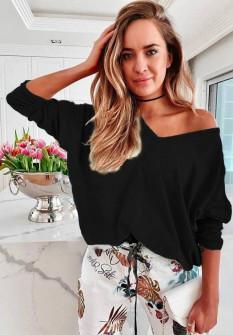 Γυναικεία μπλούζα με βαθύ ντεκολτέ 51035 μαύρη