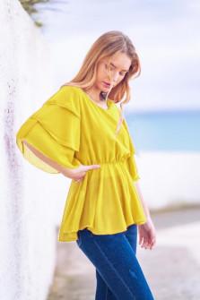 Γυναικεία μπλούζα με εντυπωσιακό μανίκι 5071 κίτρινη