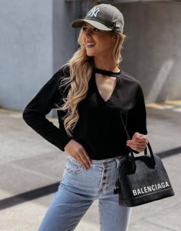 Γυναικεία μπλούζα με ανοιχτό ντεκολτέ 4851 μαύρο