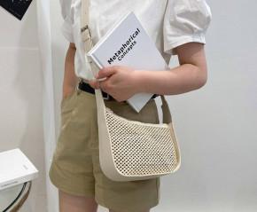 Γυναικεία στιλάτη τσάντα B483 μπεζ